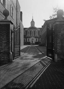 A twentieth-century photograph depicting Carpenter's Hall.