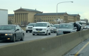 Traffic on the westbound Schuylkill Expressway backs up near the Philadelphia Museum of Art on January 29, 2015, after a minor accident blocked the left lane, resulting in a miles-long backup that affected both directions of the expressway. (Photography by Donald D. Groff for the Encyclopedia of Greater Philadelphia)
