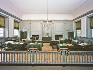 Color photo of the Assembly Room at Independence Hall.