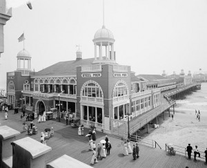 An early view of the Steel Pier, one of the first amusement piers in the United States.