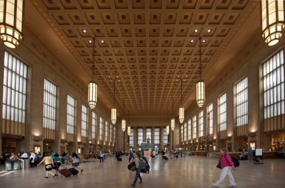 An image of the lobby of 30th Street Station.
