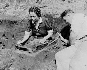 Dr. Dorothy Cross excavating an archaeological site in New Jersey.