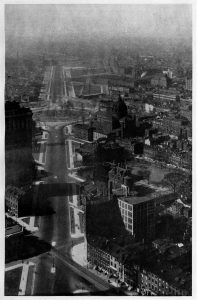 Black and white aerial photograph of the Fairmount Parkway under construction.