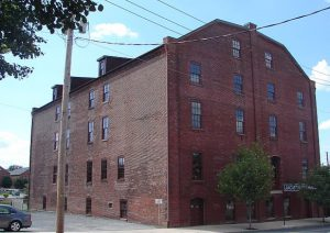 In the twentieth and twenty-first centuries, many tobacco warehouses and associated buildings were repurposed as apartments, restaurants, or hotel complexes, such as the Rosenbaum Tobacco Warehouse pictured here. (Wikimedia Commons)