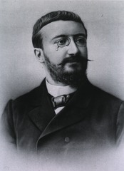 a black and white photograph of Alfred Binet