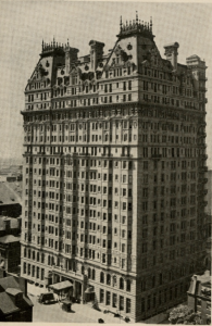 a black and white photograph of the Bellevue-Stratford Hotel as it appeared in 1910.