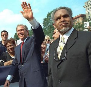 Photograph of the 97th mayor of Philadelphia, John F. Street, alongside President George W. Bush during a 2001 Independence Day Celebration.