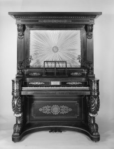 Photograph of a Loud and Brother's upright piano built in 1831.